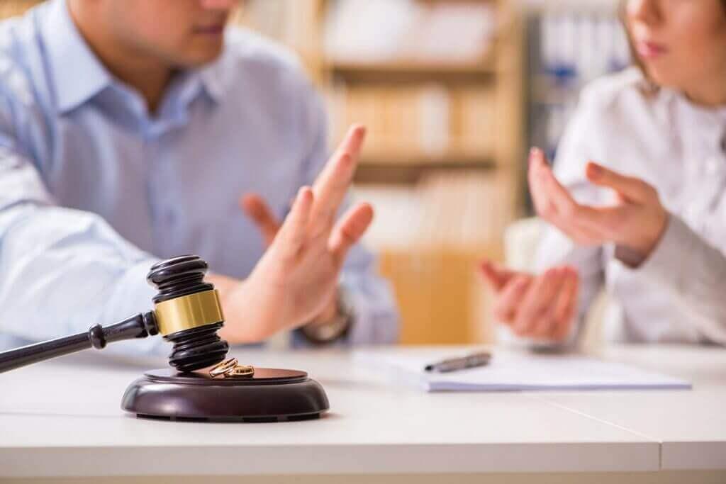 Зачем нужен семейный юрист